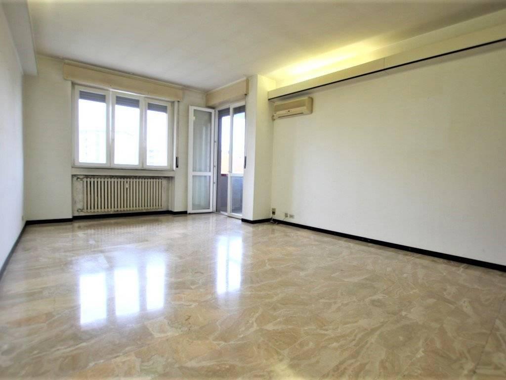 foto sala 4-room flat via Guglielmo Marconi 10, Cinisello Balsamo