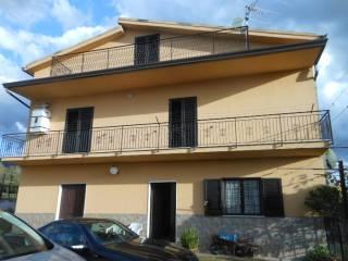 Photo - Single-family townhouse Strada Vicinale Scorbi di Leva, Raviscanina
