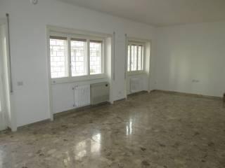 Case e appartamenti via pietro de cristofaro roma for Affitto roma cipro