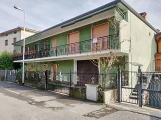 Foto - Villa pareada via B  Merelli, Vertova