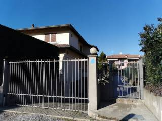 Фотография - Трехкомнатная квартира via dei Caduti, Olgiate Comasco