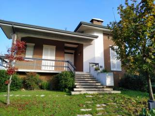 Photo - Single family villa, good condition, 220 sq.m., Moglia
