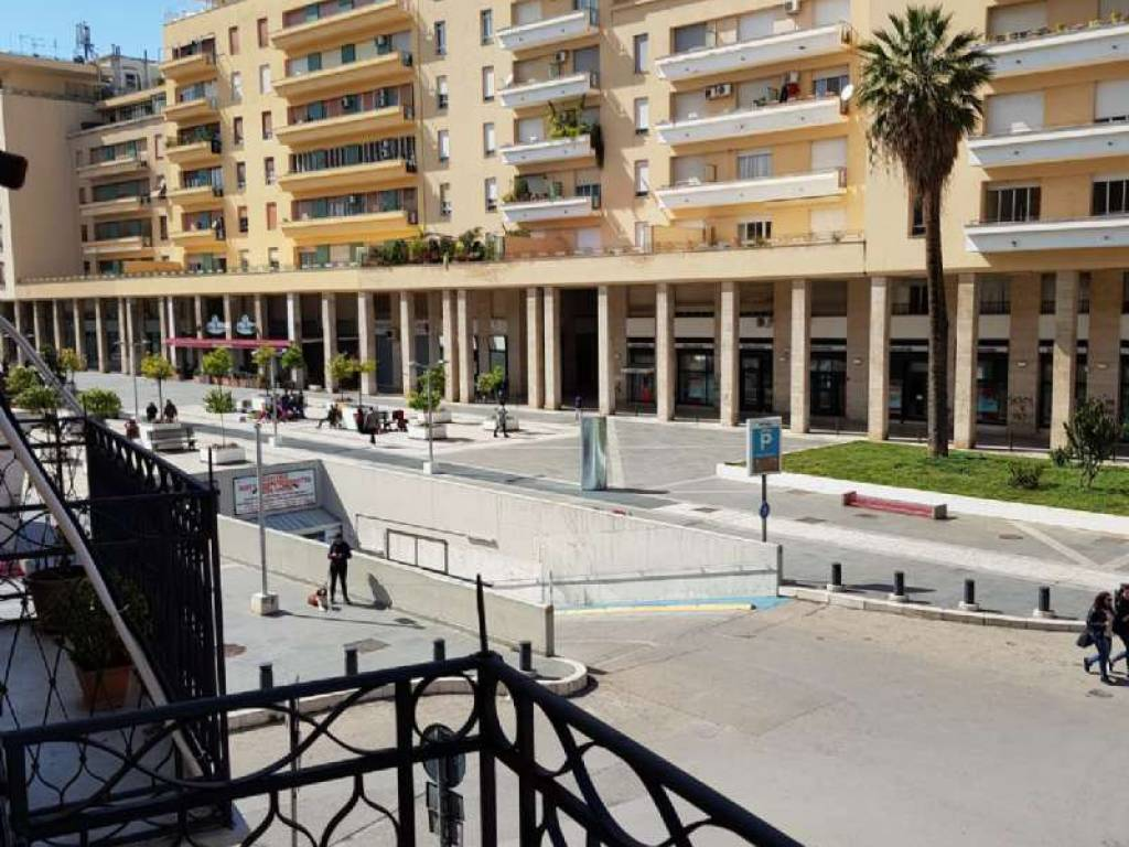 foto WhatsApp Image 2019-11-21 at 10.40.19 AM Stabile o palazzo via volturno  118, Palermo