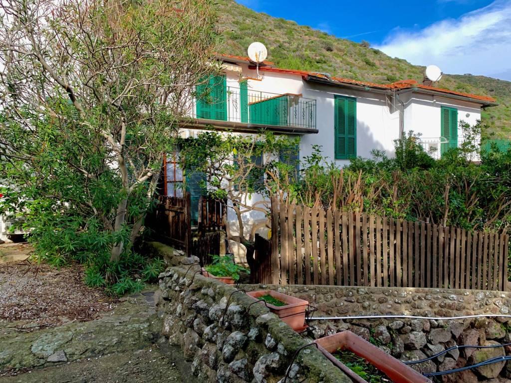 Vendita Appartamento Capraia Isola. Quadrilocale, Buono ...
