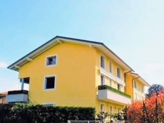 Photo - 3-room flat viale Como, Binago