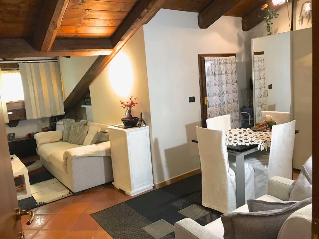 foto  Penthouse good condition, 70 sq.m., Cherasco