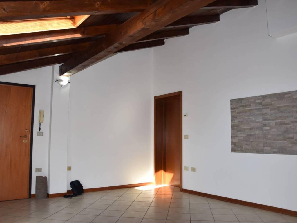 foto  Δυάρι άριστη κατάσταση, δεύτερος όροφος, Castel San Pietro Terme
