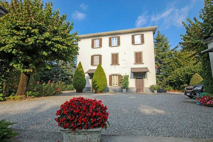 foto  Casa unifamiliar, buen estado, 616 m², Almenno San Salvatore
