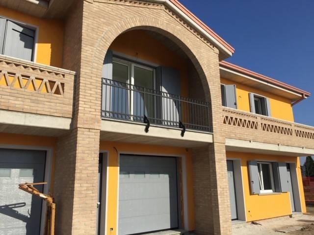 foto  Villa plurifamiliare, nuova, 127 mq, Canaro