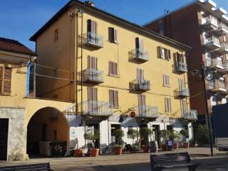 Photo - Building piazza 66 Martiri 27, Grugliasco