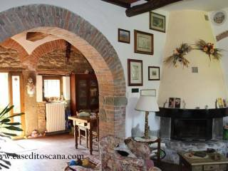 Photo - Building Strada Provinciale Chianti-Valdarno 1A, Figline e Incisa Valdarno