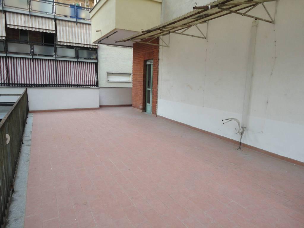 foto  Bilocale da ristrutturare, primo piano, Torino