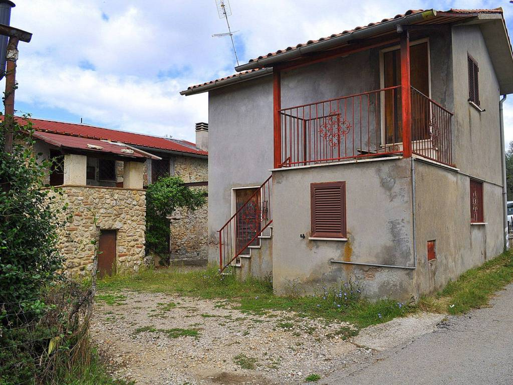 foto  Villa unifamiliare via sant'andrea, Montebuono