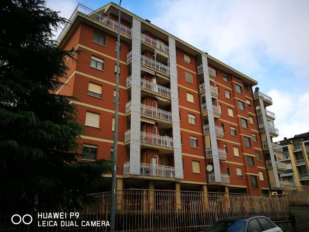 foto FACCIATA Apartment via Guido Rossa 2, Trofarello