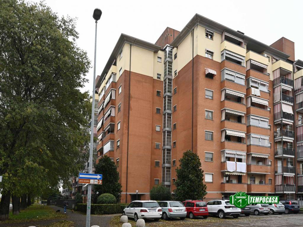 foto  3-room flat via Giuseppe Saragat, Venaria Reale