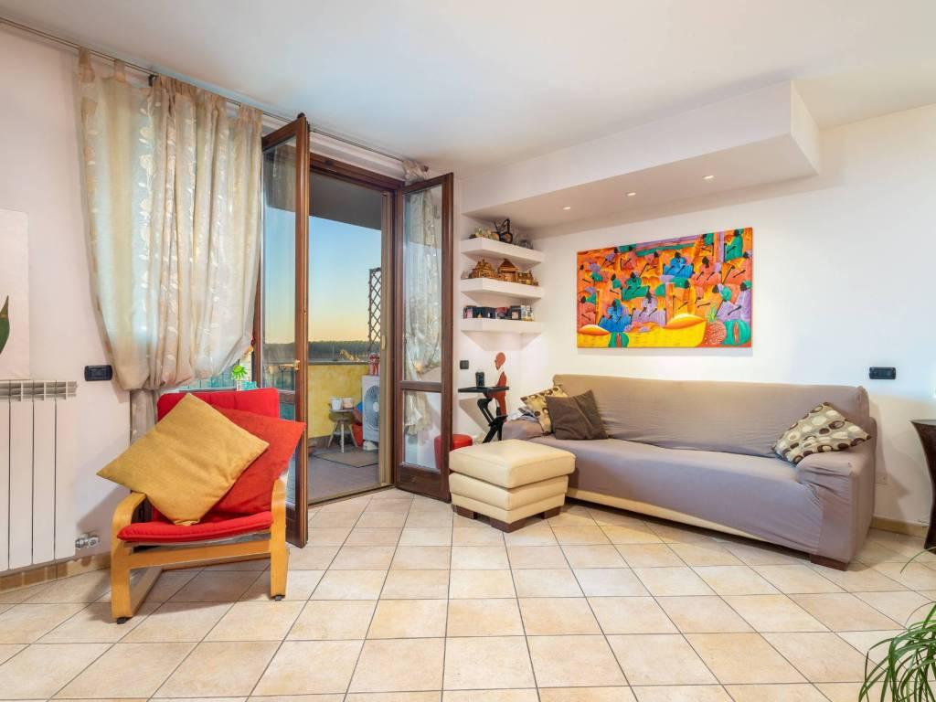 foto Soggiorno 3-room flat via Cusago, Cisliano