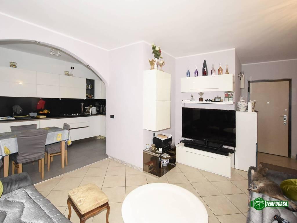 foto SOGGIORNO 3-room flat via Monte Rosa 86, Rozzano