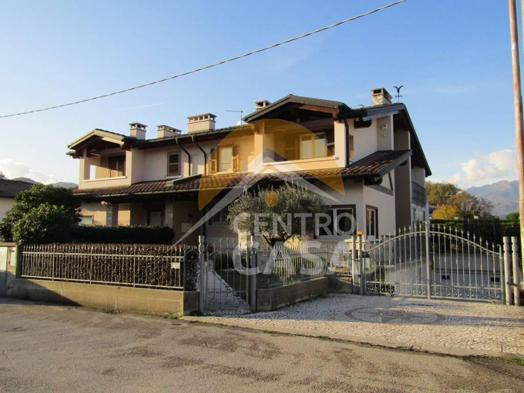 foto esterno Two-family villa via San Gaetano, Malo