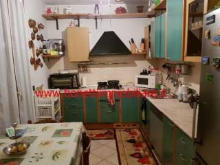 Photo - 3-room flat good condition, first floor, Izano