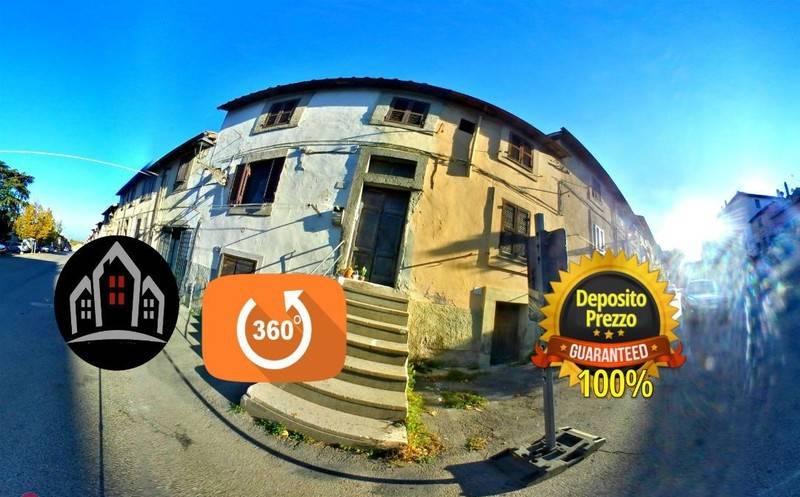foto  Single-family townhouse via del centro, Viterbo
