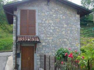 Photo - Country house via Canale, San Bernardo, Roncola