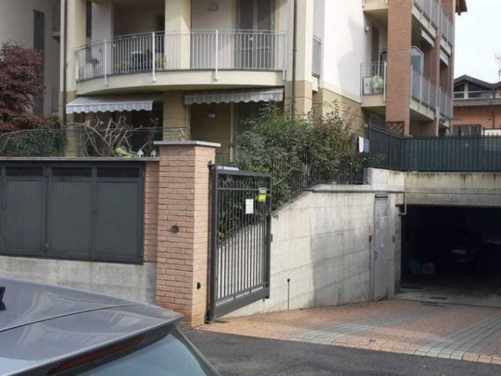 foto faccata 3-room flat via Rita Levi Montalcini, Riva Presso Chieri