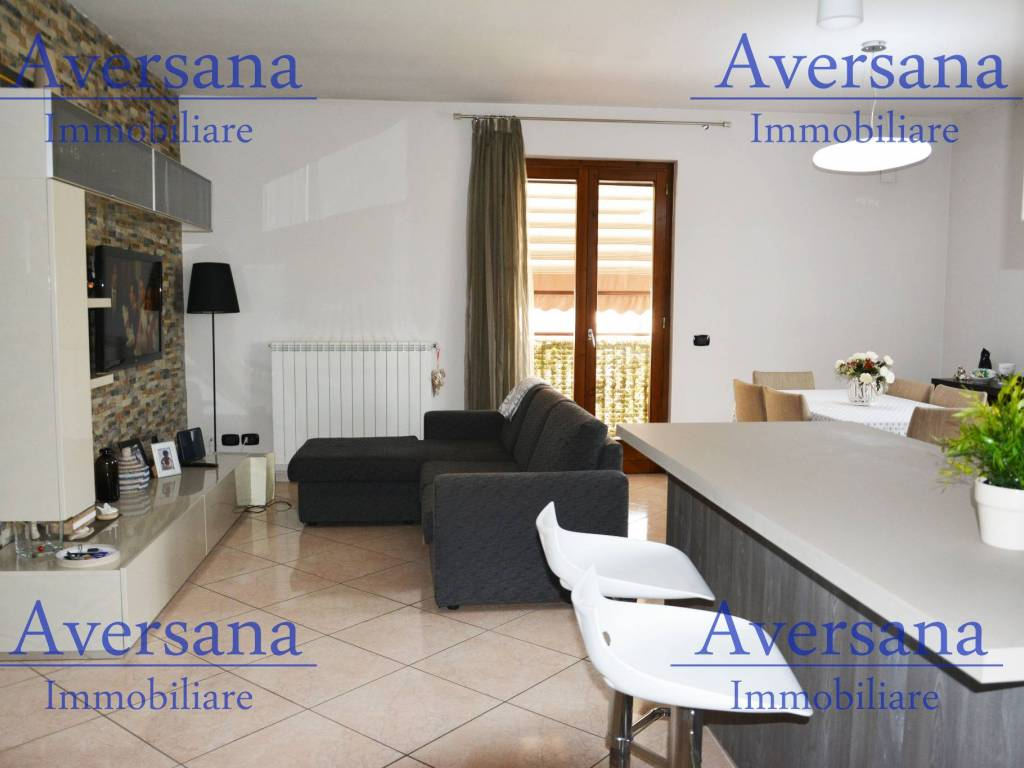 foto Salone con A/K 4-room flat via Enrico De Nicola 33, Trentola-Ducenta