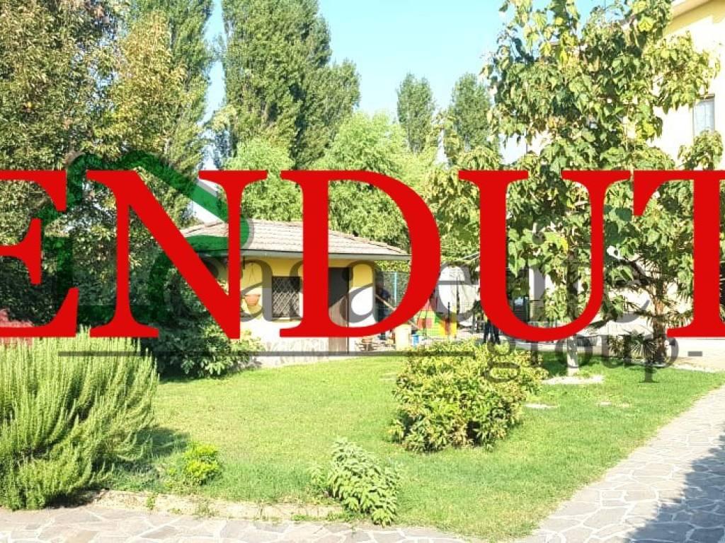 foto Esterno Multi-family villa via Giovanni Pascoli 14, Cerro al Lambro