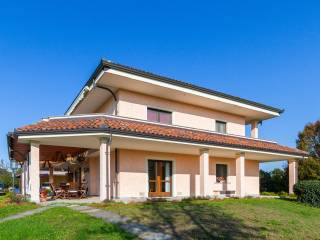 Photo - Single family villa Strada Tedeschi 9, Leinì