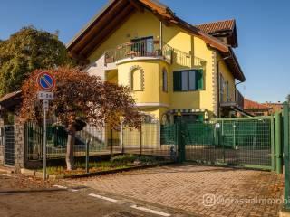 Photo - 4-room flat via Bruino 35, Piossasco