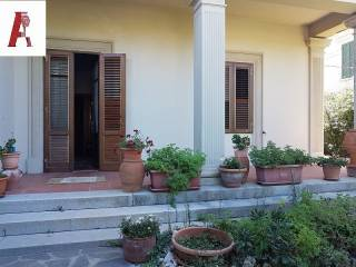 Photo - Apartment in villa, excellent condition, 193 sq.m., Castiglioncello, Rosignano Marittimo