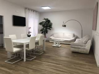 Photo - 3-room flat piazza Renato Simoni, Valverde, Verona
