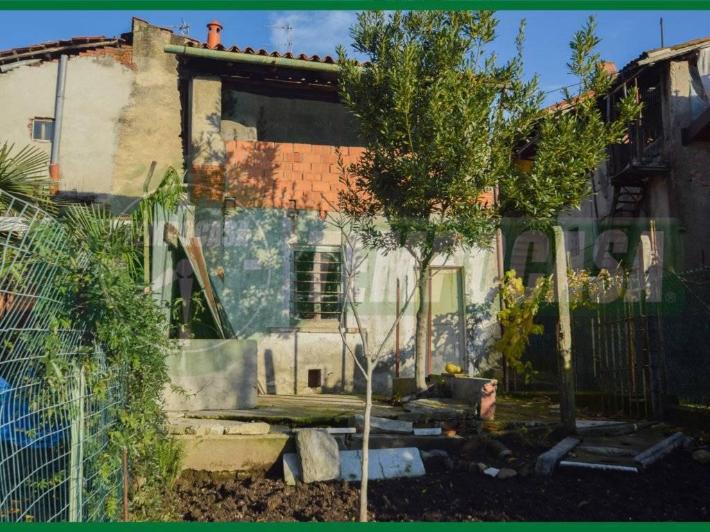 foto esterno Rustico vicolo dei Fabbri, Morazzone