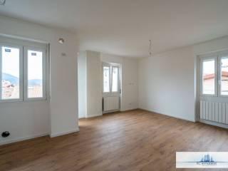 Photo - 3-room flat via Fontana Marcia 1, Alzano Lombardo