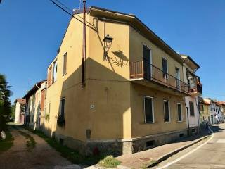 Photo - 3-room flat via San Giovanni 40, Motta Visconti