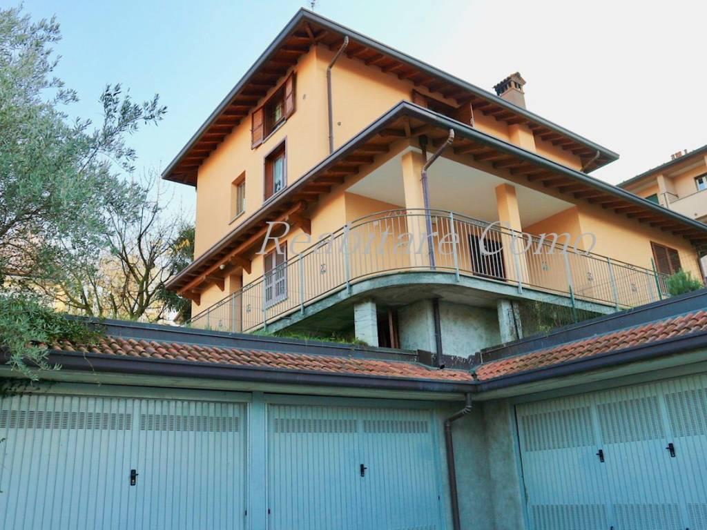 foto ESTERNO Четырехкомнатная квартира via Giacomo Medici 12, Como