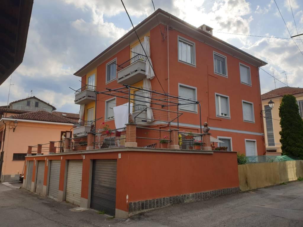 foto  3-room flat via Camillo Benso di Cavour, Gassino Torinese
