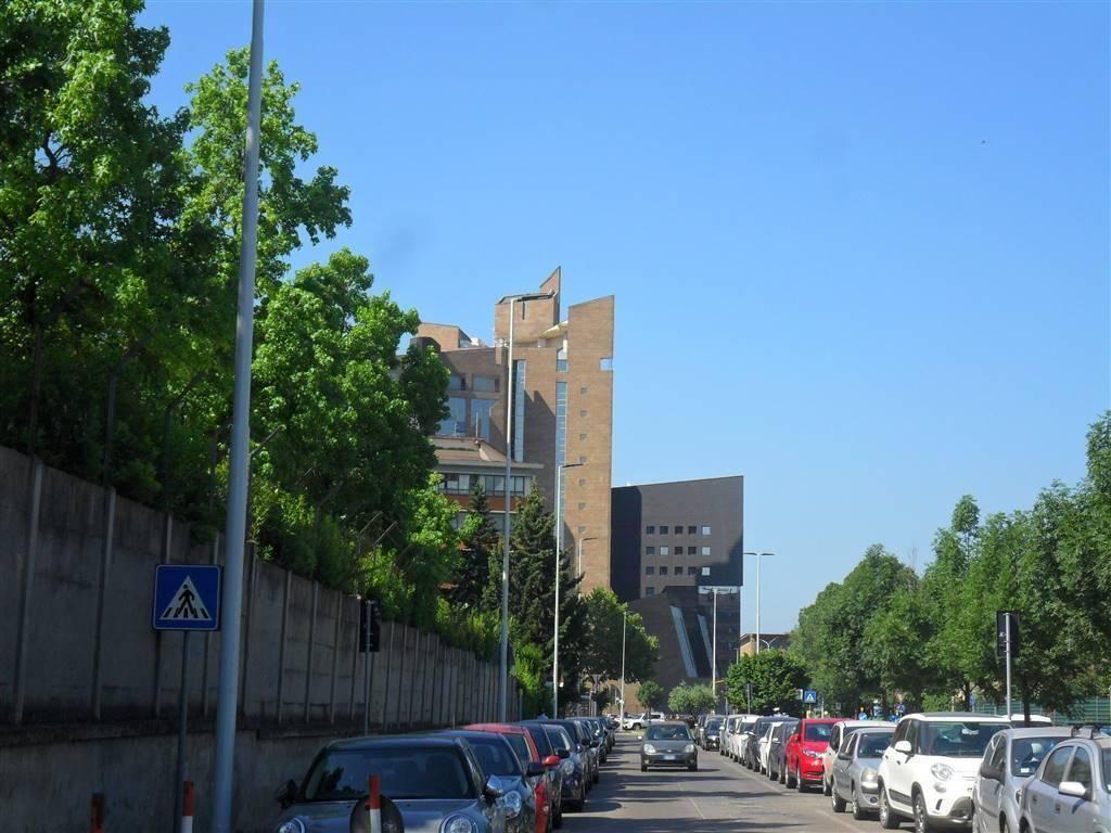 foto Foto Building tre piani, to be refurbished, Firenze