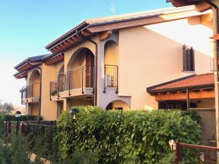 Photo - Terraced house 5 rooms, excellent condition, Roncello