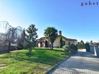 Photo - Single family villa, good condition, 290 sq.m., Ossona