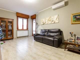 Photo - 3-room flat via vincenzo monti, Trezzano sul Naviglio