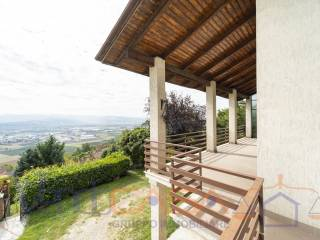 Photo - Single family villa via Regina Margherita 19-a, Guarene