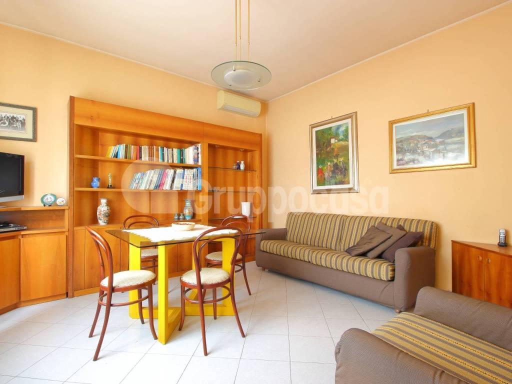 foto soggiorno 4-room flat via Roma, Bernate Ticino