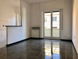 Photo - 3-room flat via Tortona, Staglieno, Genova