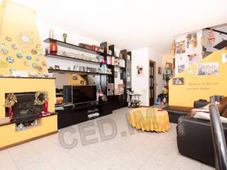 Photo - Terraced house 5 rooms, good condition, Lainate