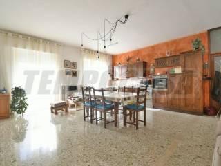 Photo - 4-room flat good condition, mezzanine, Monte Urano