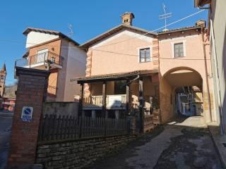 Photo - Two-family villa via Umberto I 14, Monticello d'Alba