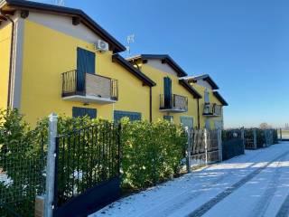 Photo - Single family villa, excellent condition, 153 sq.m., Castelnovo di Sotto
