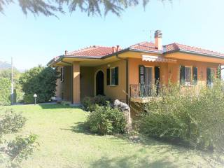 Foto - Villa plurifamiliare via Biffi, Erba