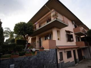 Foto - Villa a schiera via Salvo D'Acquisto, Lavinaio, Aci Sant'Antonio